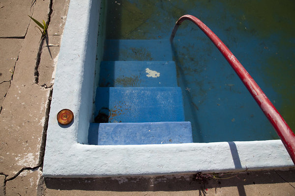 pool steps and tobacco